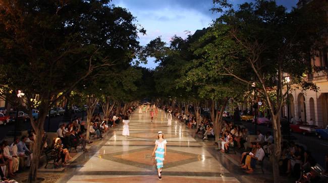El Desfile De Chanel En Cuba - Portal Luna de Miel