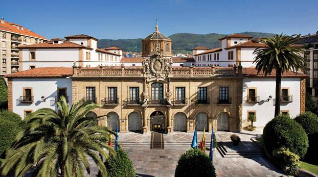 Hotel De La Reconquista - Portal Luna de Miel