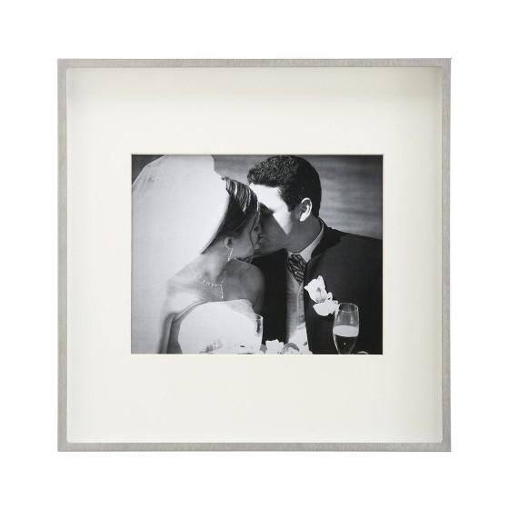 marco-de-fotos-que-regalarle-a-los-novios-portal-luna-de-miel