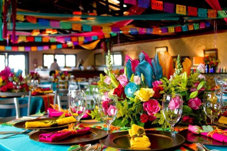 Fiesta-mexicana-detalle-de-centro-de-mesa-Una-boda-mexicana-en-5-pasos-portal-luna-de-miel