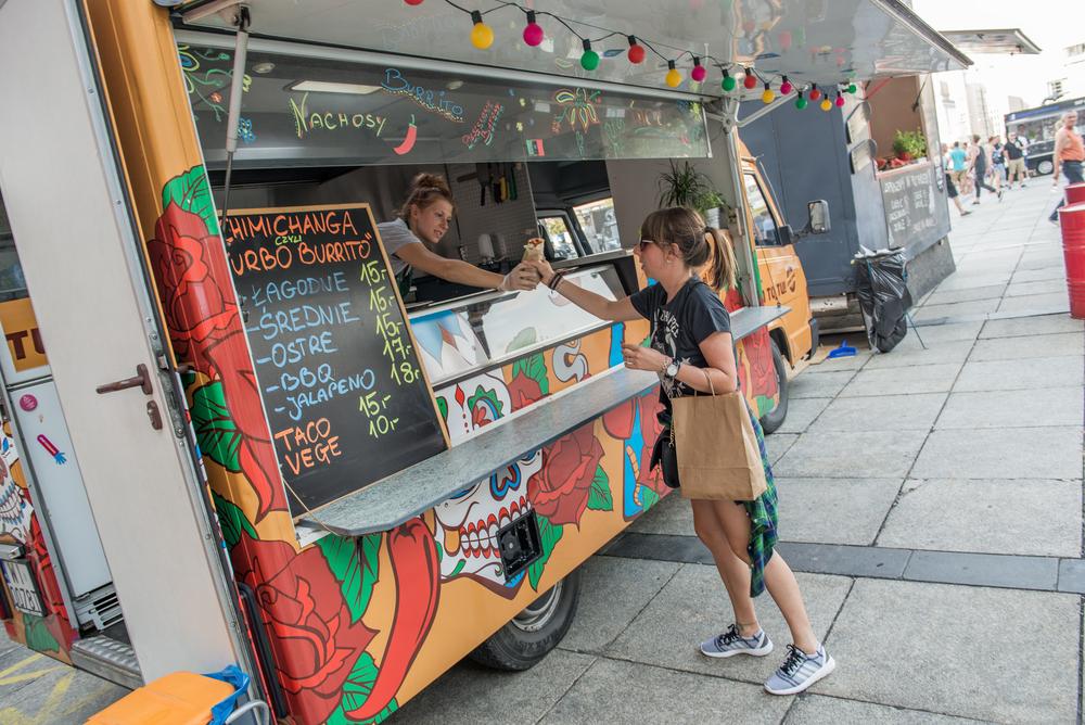 principal-ya-conoces-los-nuevos-food-trucks-que-existen-en-lima-portal-luna-de-miel