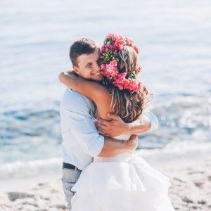 3 vestidos que deberías usar para casarte en la playa