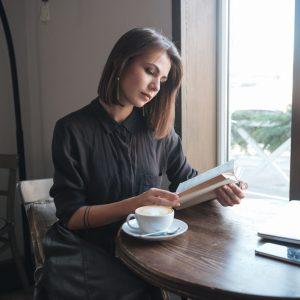 5 libros que toda mujer debe leer este 2017