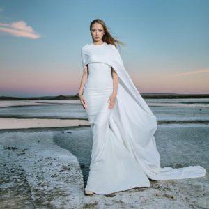 Detalles trendy: ¿por qué las novias del 2018 prefieren las capas?