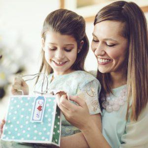 Guía de regalos express: 7 detalles imperdibles para mamá