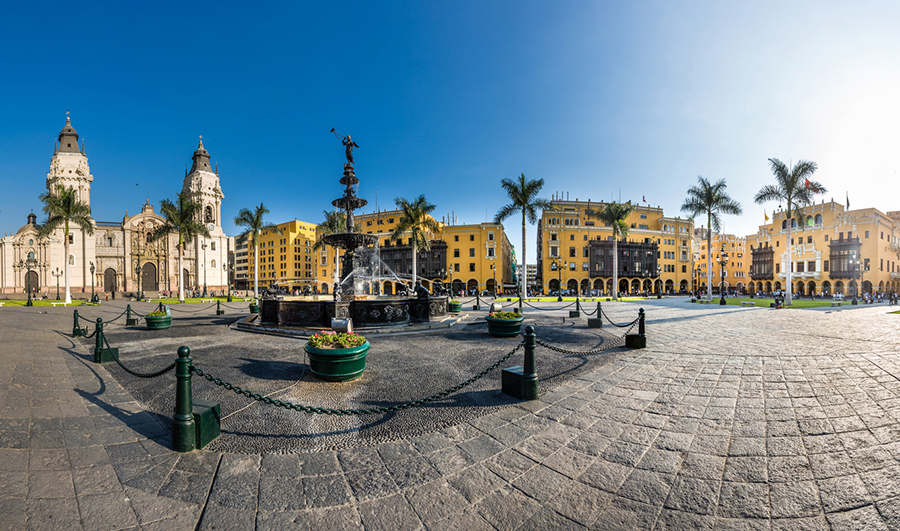 Vista panoramica de la Plaza de Armas de Lima
