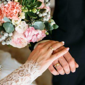 El anillo, el vestido y las flores para este 2020